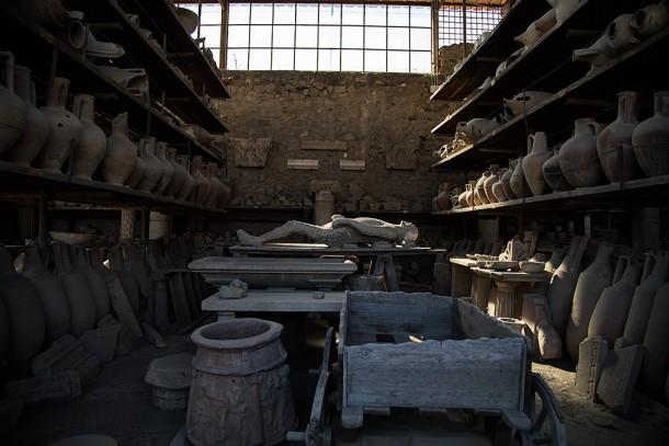 Pompei-Pottery