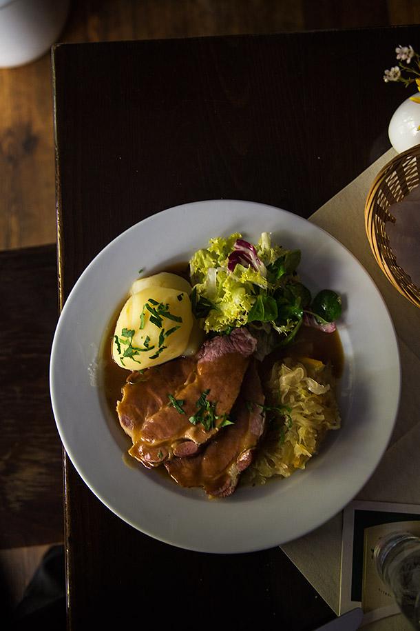 Smoked-Pork-chop-speishaus
