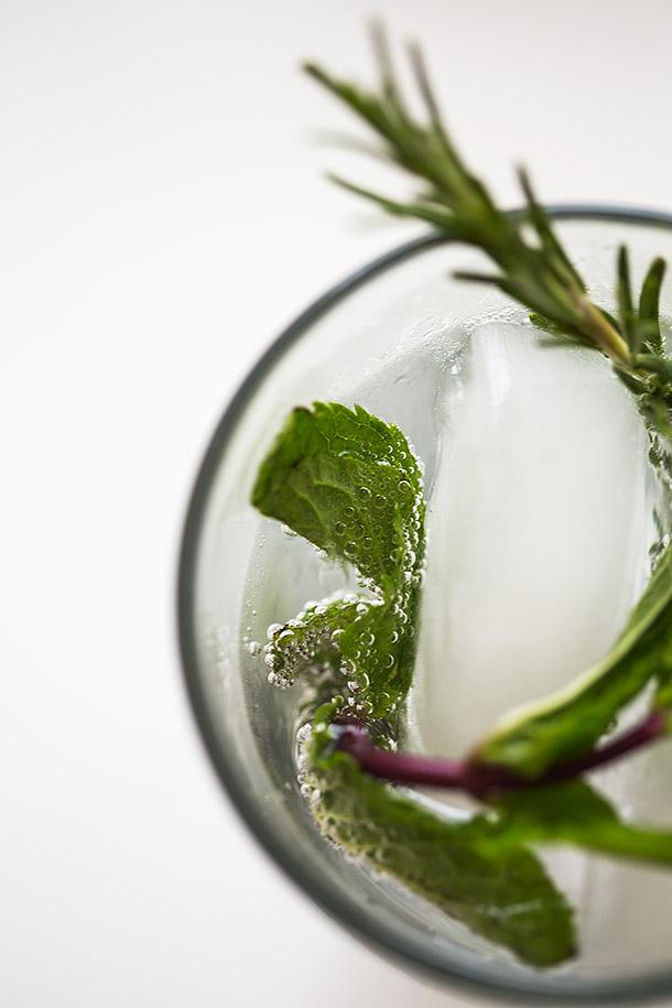 Rosemary-Mint-Soda-Via-Slim-palate